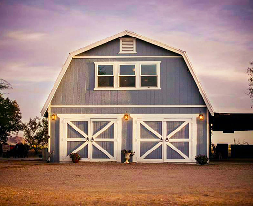 1_WellingtonRanch_barn_REV_520x423