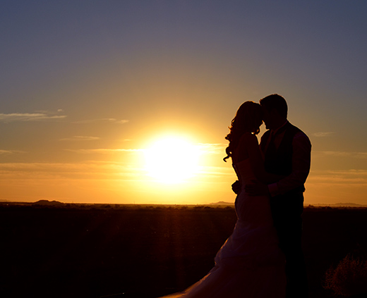 20_WellingtonRanch_sunsetwedding_520x423